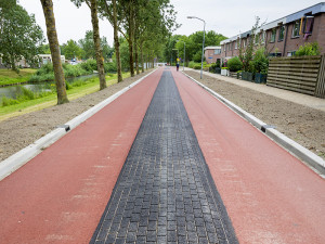 cycling-lane-almere-slide-2